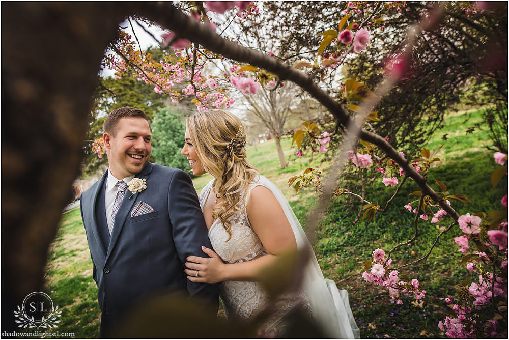 st louis wedding first look with redbuds